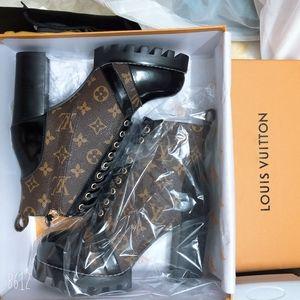 Louis Vuitton LV Lace up boots